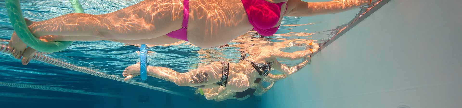 Vingrošana grūtniecēm peldbaseinā