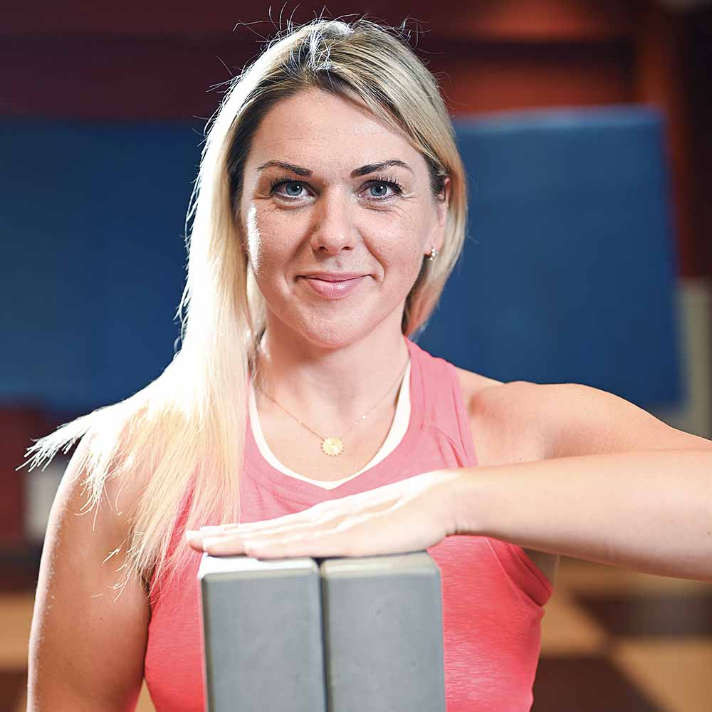 Tatjana Novojevska trenere jogas nodarbibas olimpiskais centrs